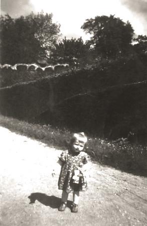 Mama im Garten in Kirchheim