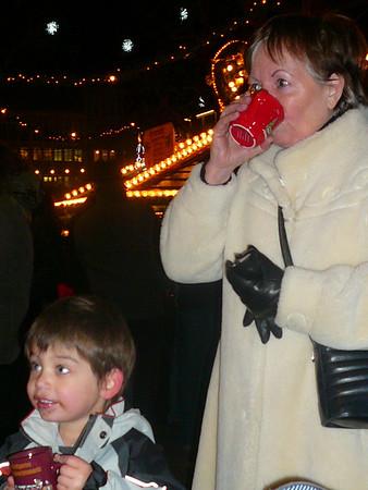 Well deserved hot drinks. Kinderpunsch for Lucas...