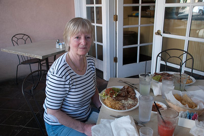 Oma likes the Fajitas and Margarita (at least the first half - then it got to her head...)