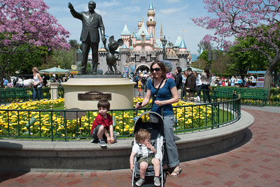 2010-04 Disneyland and LA