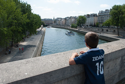 Zidane admiring la Seine