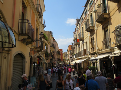 Corso Umberto, the main route through the center of Taormina.