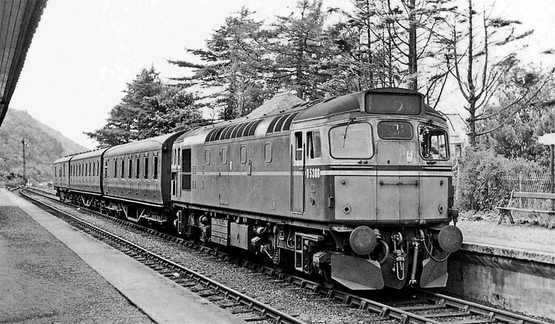 D5366 arrives at Kentallen Station with the 12 35 Connel Ferry to Ballachulish train on 12th July, 1965  [M Mensing]11779813_1634485756833542_161383446200718099_o