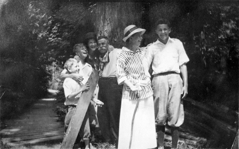 Everybody Laughing on way to Roaring Brook Bluff 1916 from photo
