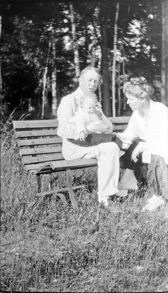 29-z Arthur & Anna B Stebbins & Baby Anne on Roaring Brook bench 1917 in CRS's Book #1