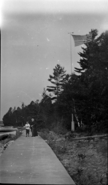 58w Old GLOry Geroge & Auntie Roaring Brook sidewalk 1916 in CRS's book #1