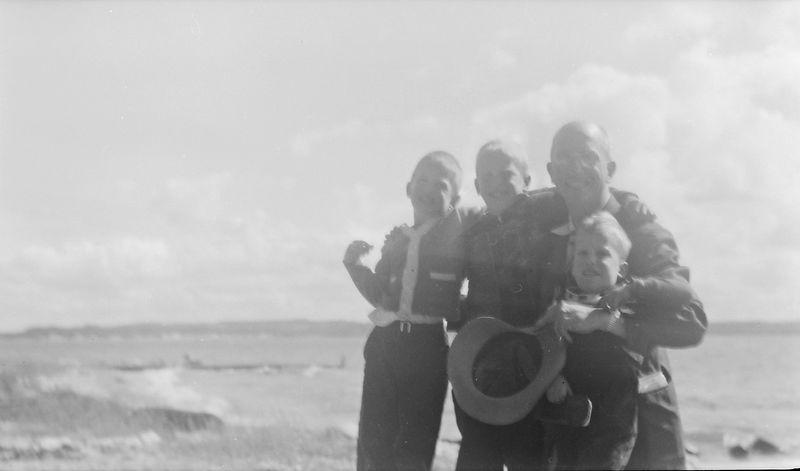 #245 Rowland & Winston&Malcolm&Kenyon Stebbins at 1710 MRD Sept'51