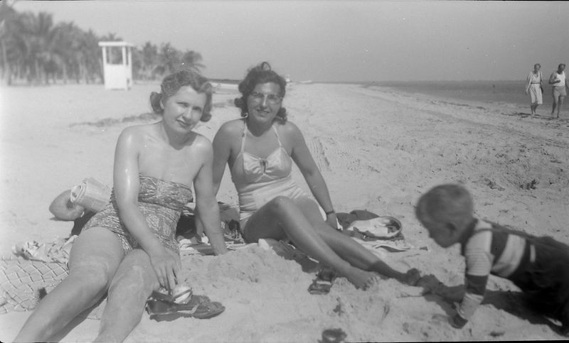 #19 Virginia & Isabelle & Kenyon Coral Gables Fl Jan'52