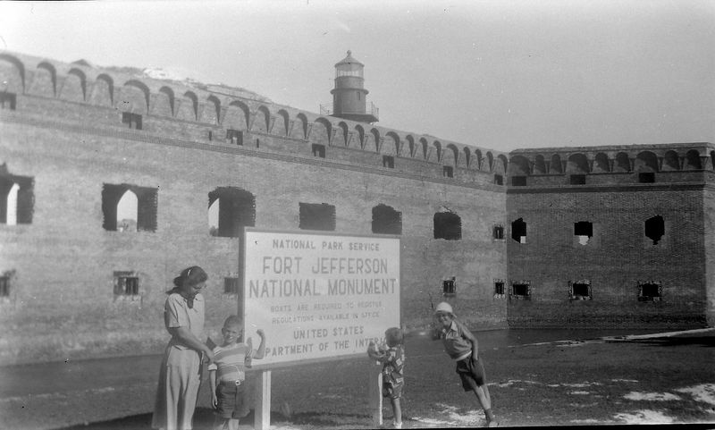 #7 Virginia&Winston&Malcolm&Kenyon Fort Jefferson 5 Jan'52