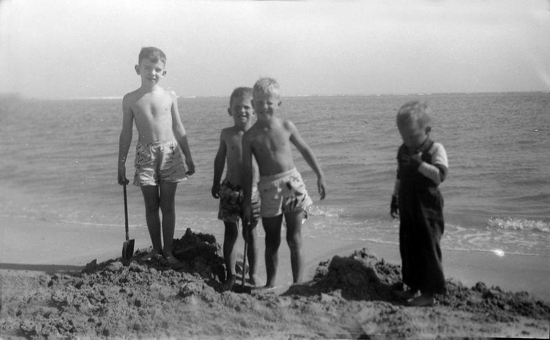 #17 Eddie Robertson & Winston& Malcolm &Kenyon Stebbins Coral Gables Fl Jan'52