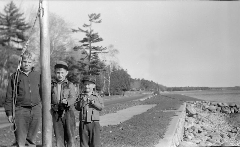 #280 Winston&Malcolm&Kenyon Stebbins by Weque Flag pole Oct'53