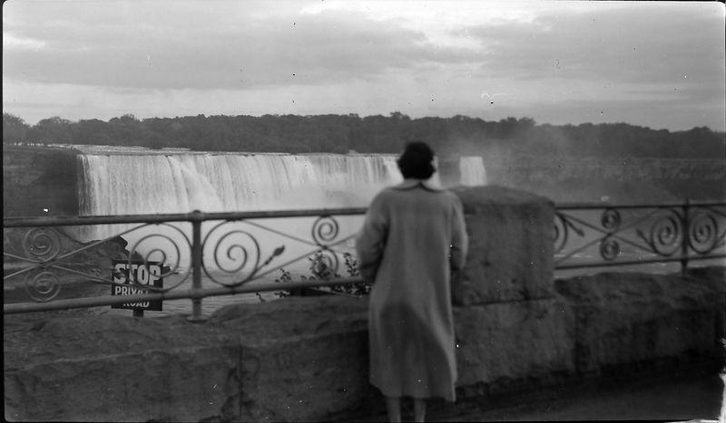 #123 Virginia Stebbins at Niagra Falls 10 Oct'52
