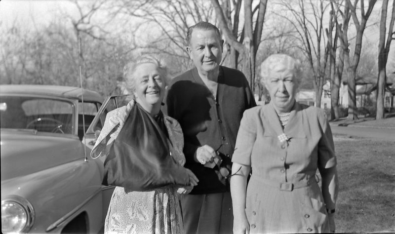 #125 Marie & Stowell Stebbins & Maude in Marshal Mi 5 Nov'52