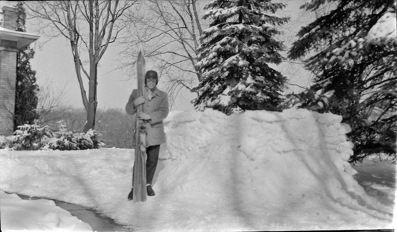 #158 Winston Stebbins skis Feb'56