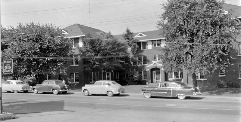 #190 Penn Ct Apts (Virginia & Mrs Buckles Apt) Bristol Tenn 25 June'56