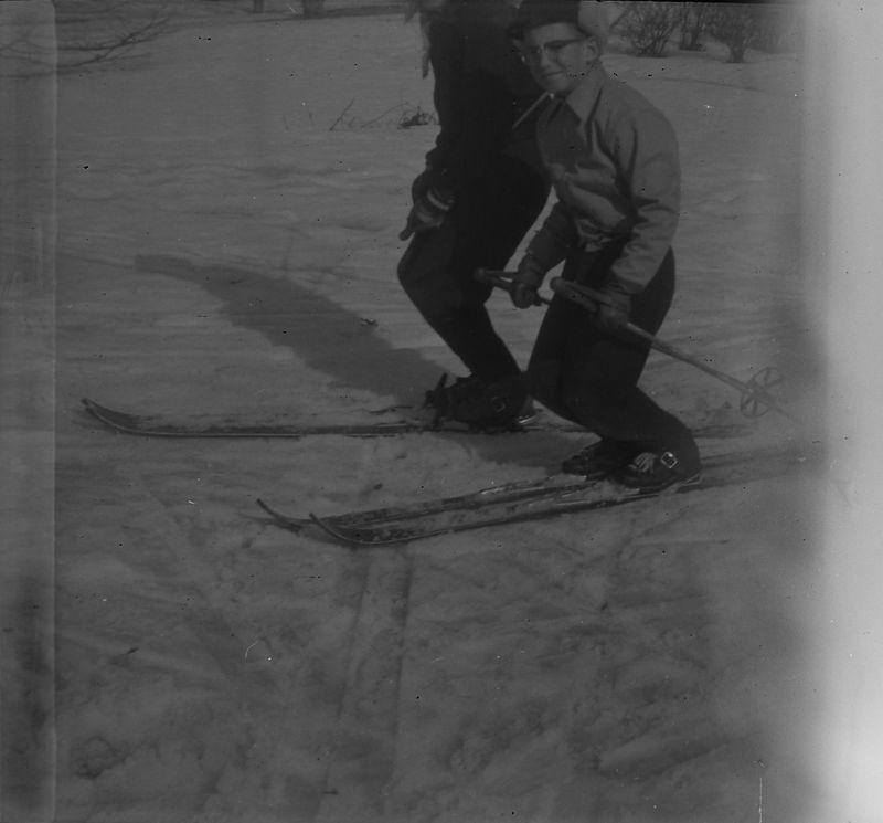 #156a Malcolm Stebbins on skis Winter'56