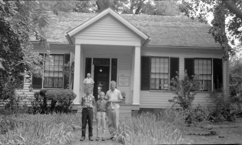 #205 Winston-Malcolm-Kenyon Stebbins at Helen Keller's birthplace 19 June'58