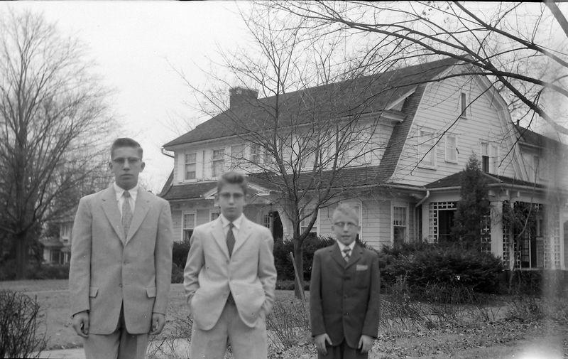#115 Winston&Malcolm&Kenyon Stebbins 1710 MRD looking west Dec'57