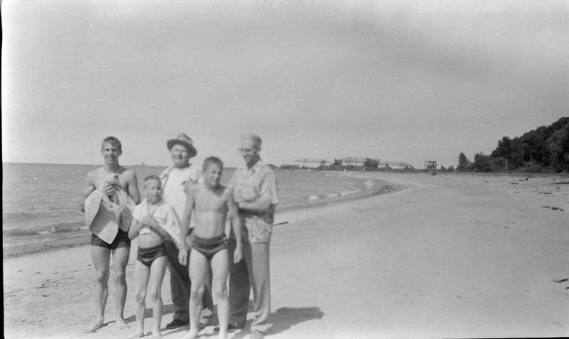 #178 Winston-Malcolm-Kenyon George Stebbins & Henry on Astabula OH beach 15June'58