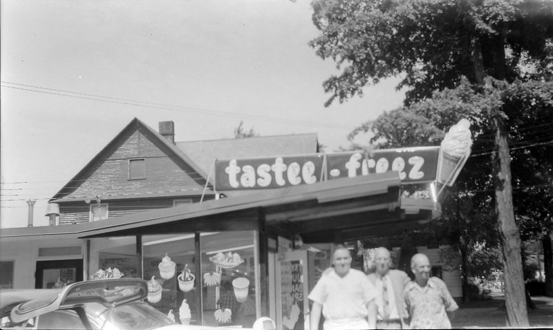 #180 Rowland &  George & Richard Stebbins at Dick's Tastee-Freez shop 15 June'58