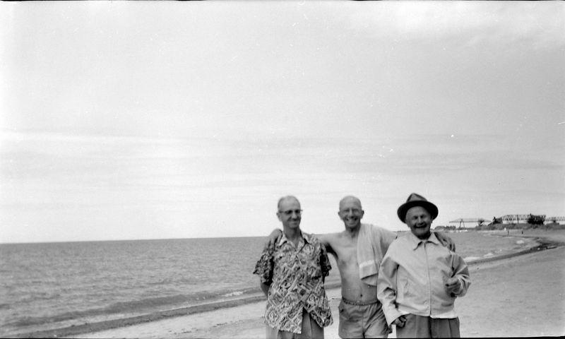#183 George & Rowland Stebbins & Henry on Ashtabula Beach 15June'58