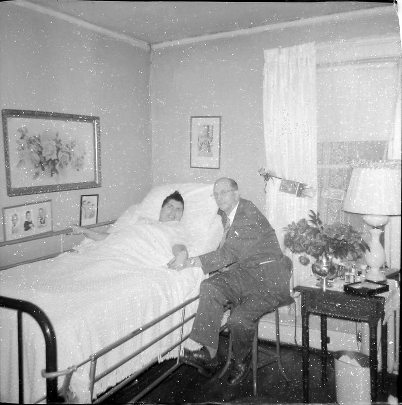 #117 Virginia Buckles & Charles Rowland Stebbins Penn Ct Apt Bristol Tenn 28 Dec'57