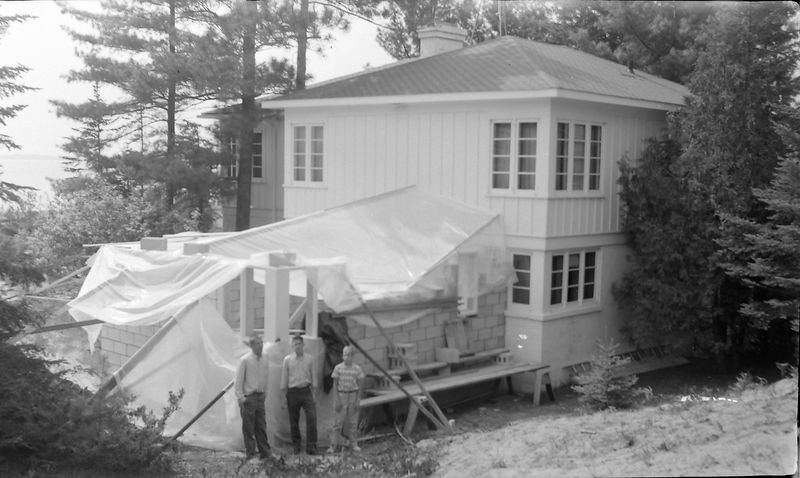 #241 Winston-Malcolm-Kenyon at Corland Stebbins Menonaqua house construction 29 May'60