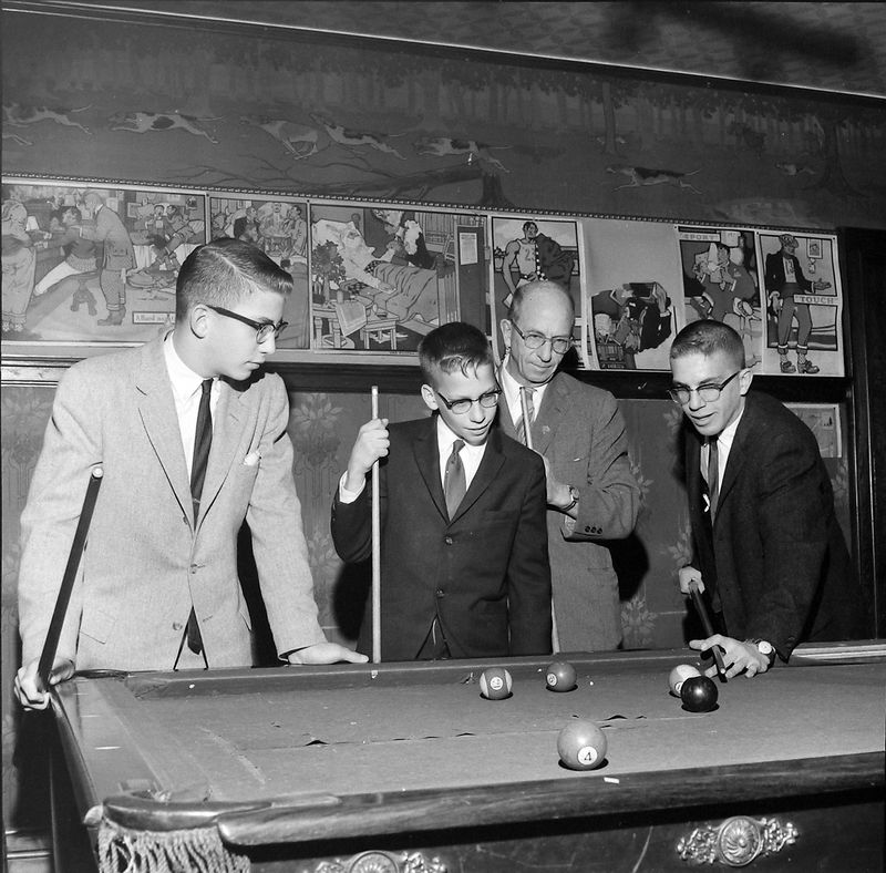 #126 Malcolm-Kenyon-Rowland-Winston Stebbins 109 N Walnut 3rd floor pool room 25 Dec'60