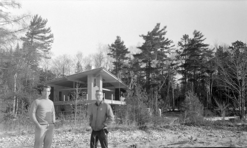#72 Malcolm&Kenyon Stebbins by Fisher's new Roaring Brook house 23 Mar'64