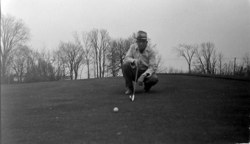 #4 C Rowland Stebbins on #1 Green at Lansing Country Club Nov'65