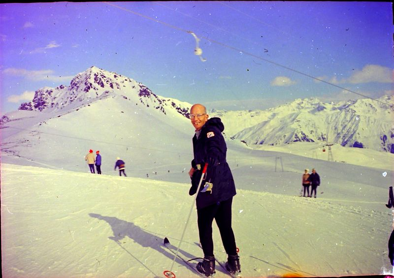 #138 Rowland Stebbins European Skiing 1968