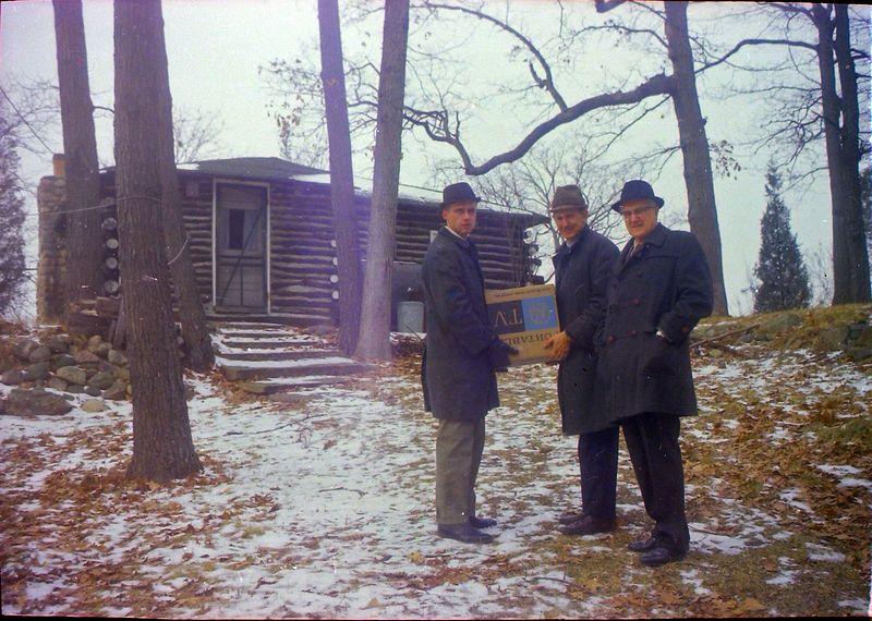 #115 Who & Paul Martin & Dave Bishop Halfmoon Lake cottage Spring'69