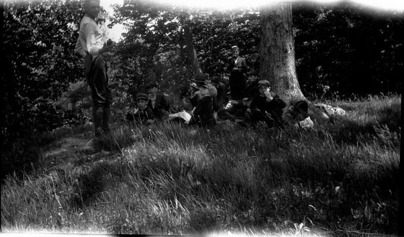 #43 Our troop on a hike eating at hourse shoe bend Rowland CRS June 1918