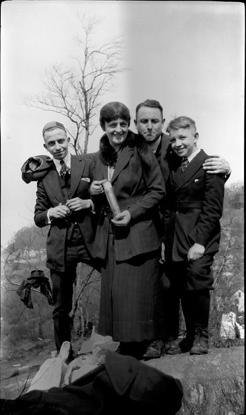 #70 Rowland CRS & Stowell SCS & Marrie & George GAS on banks of Hudson River Spring 1920