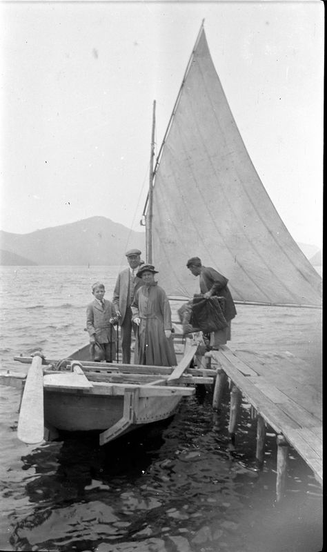 # 102 ACS - Anna B - George in sailboat about to leave dock - Lake Hakone - Japan