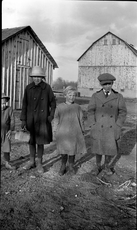 # 38 Harriett - Ruth - John at Farm