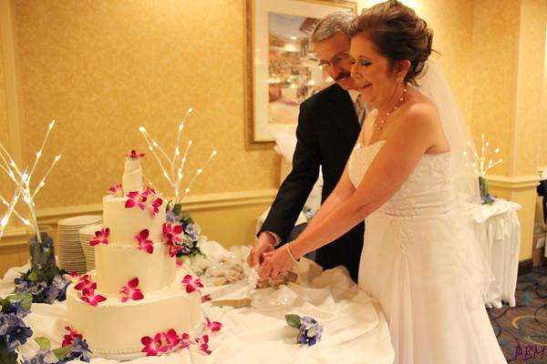 Cutting the Cake (3)