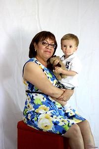 Dora Fam Portraits (20)