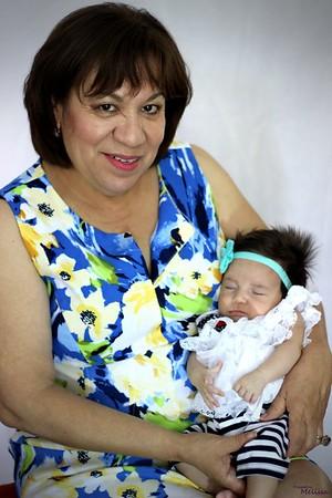 Dora Fam Portraits (42)