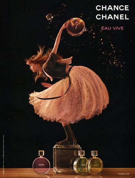 CHANEL Chance Eau Vive 2016 Italy Vertical line: La Linea di CHANEL -  Numero con addebito ripartito 840 000 210 (0,08€ al minuto).