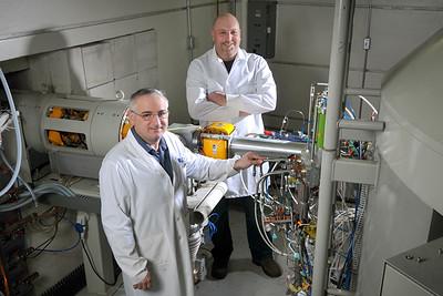 Erol_Bars_Mark_Kaczmarek_Nuclear_Medicine_Cyclotron_4080