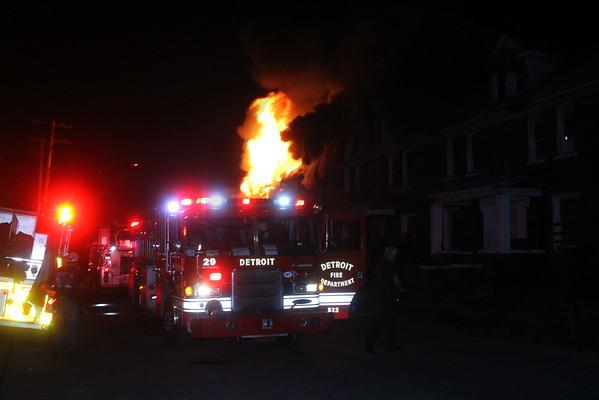 Detroit MI Box Alarm fire Regular & Crawford St 7/5/2016