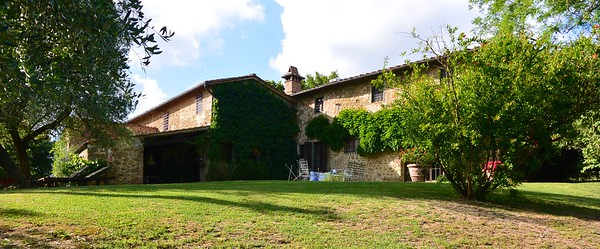 C111 - FLORENCE HILLS - 15th Century Country Residence