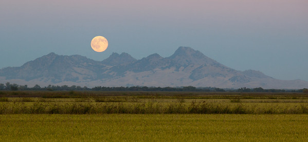 HARVEST MOON OVER NORTH BUTTE