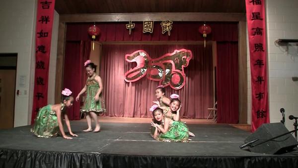 2010 CACC Chinese Festival<br /> Hockessin, Delaware<br /> Day 2 - 6/19/2010<br /> <br /> Chun-Hui Children Dance Troupe<br /> Jasmine Flowers 茉莉花