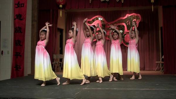 2010 CACC Chinese Festival<br /> Hockessin, Delaware<br /> Day 2 - 6/19/2010<br /> <br /> Chun-Hui Children Dance Troupe<br /> Little Bird Little Bird