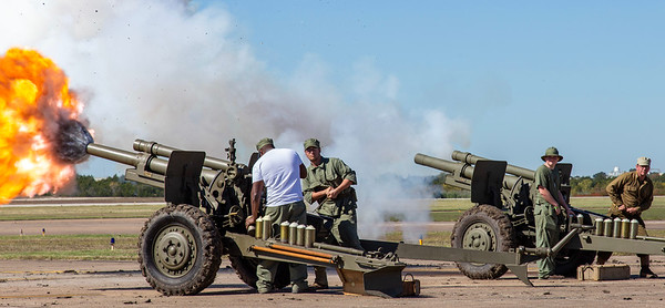 105 mm Howitzer battery fires.
