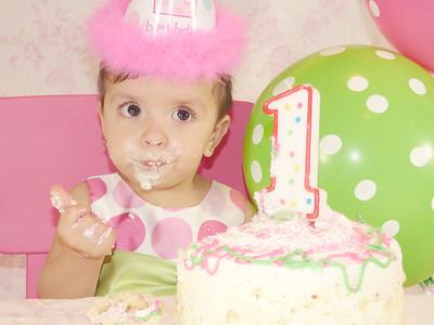 1ST BIRTHDAY CAKE SMASH : ALLISON