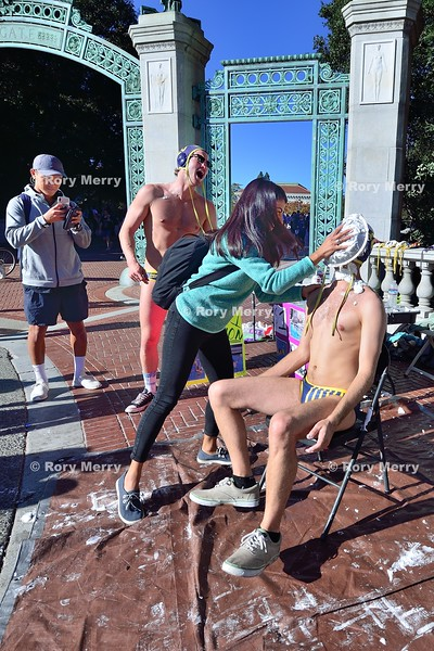 "Cal Water Polo ""Pie a Player"""
