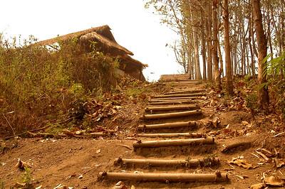 Padaung Village2 Steps